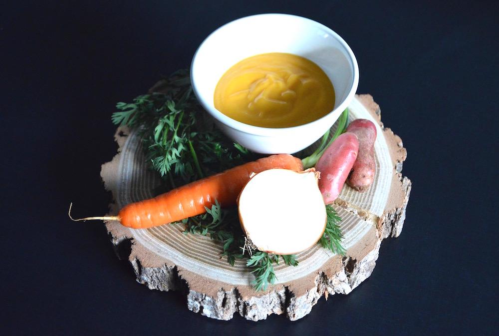 recette de soupe de poireau carotte pomme de terre et oignon pour b b d s 8 mois cooking. Black Bedroom Furniture Sets. Home Design Ideas