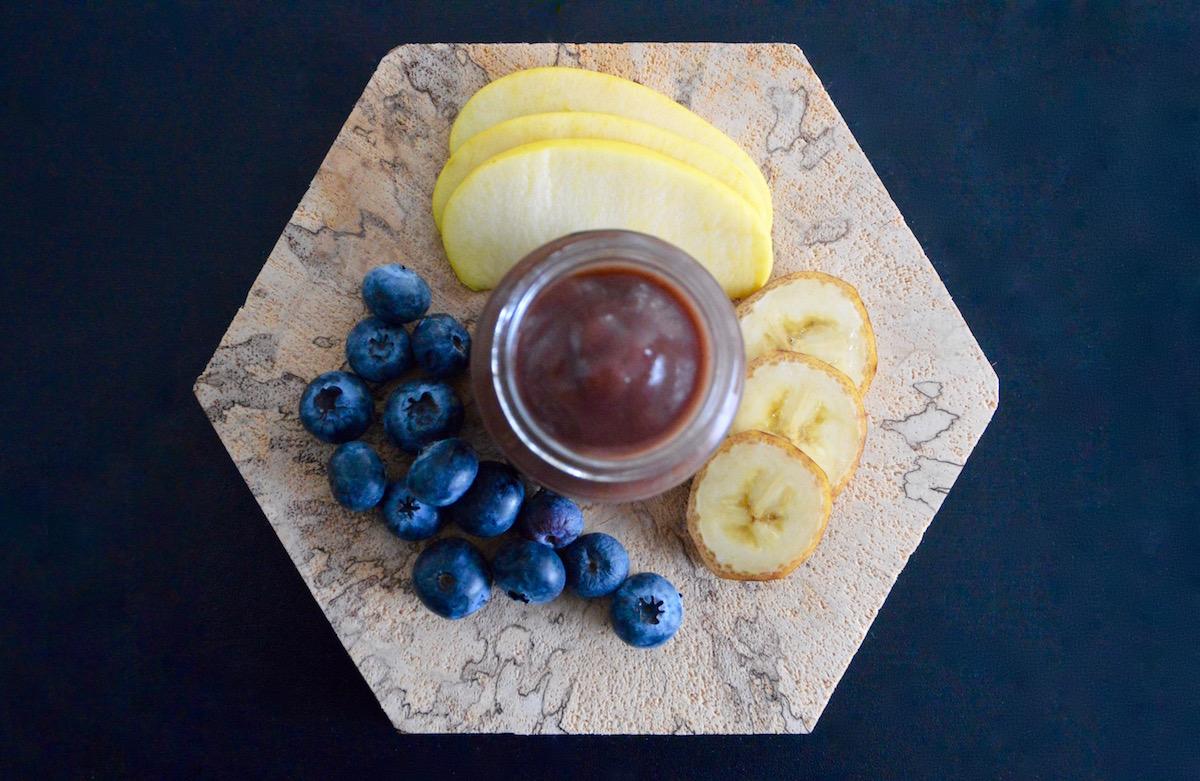 recette de compote de pomme banane et myrtille pour b b d s 6 mois cooking for my baby. Black Bedroom Furniture Sets. Home Design Ideas