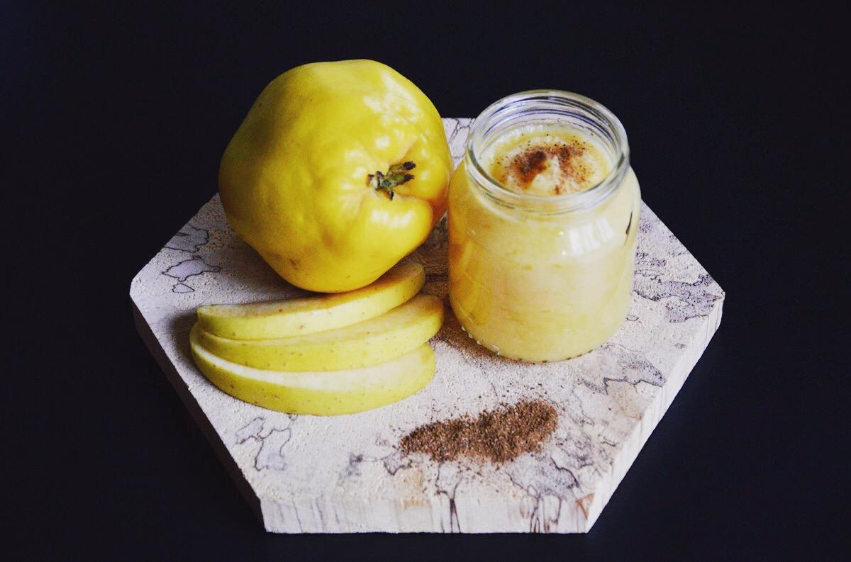 Compote pomme coing et pincée de cannelle (Dès 4 ou 6 mois)