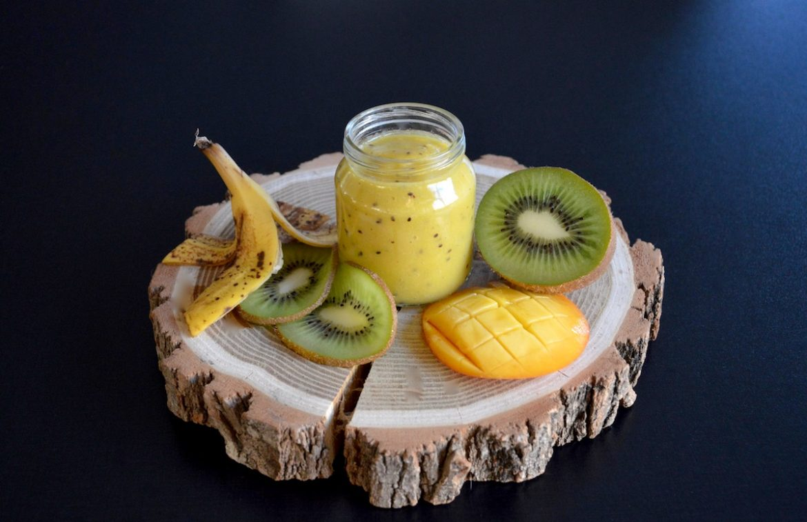 recette de petit pot compote kiwi mangue banane pour b b d s 8 mois. Black Bedroom Furniture Sets. Home Design Ideas