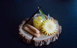 Recette bébé : ananas à la vanille rôti sur crumble de boudoirs (Dès 12 mois)