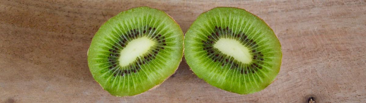 Kiwi coupé en deux pour bébé