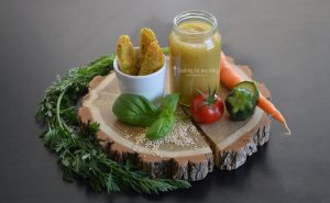 Recette bébé : Bâtonnets de quinoa, parmesan et petits légumes, purée de tomate courgette basilic (Dès 12 mois)