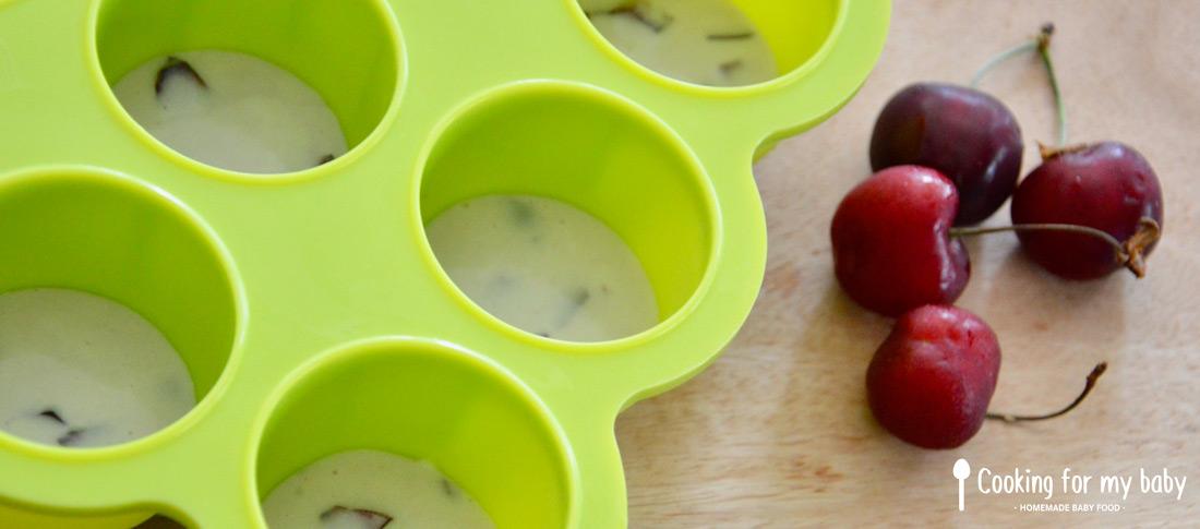 Mini moules pour le clafoutis aux cerises de bébé