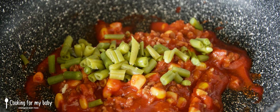 Préparation du chili con carne pour bébé
