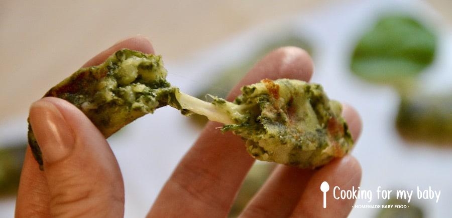 Fromage filant dans bâtonnets de légumes pour bébé