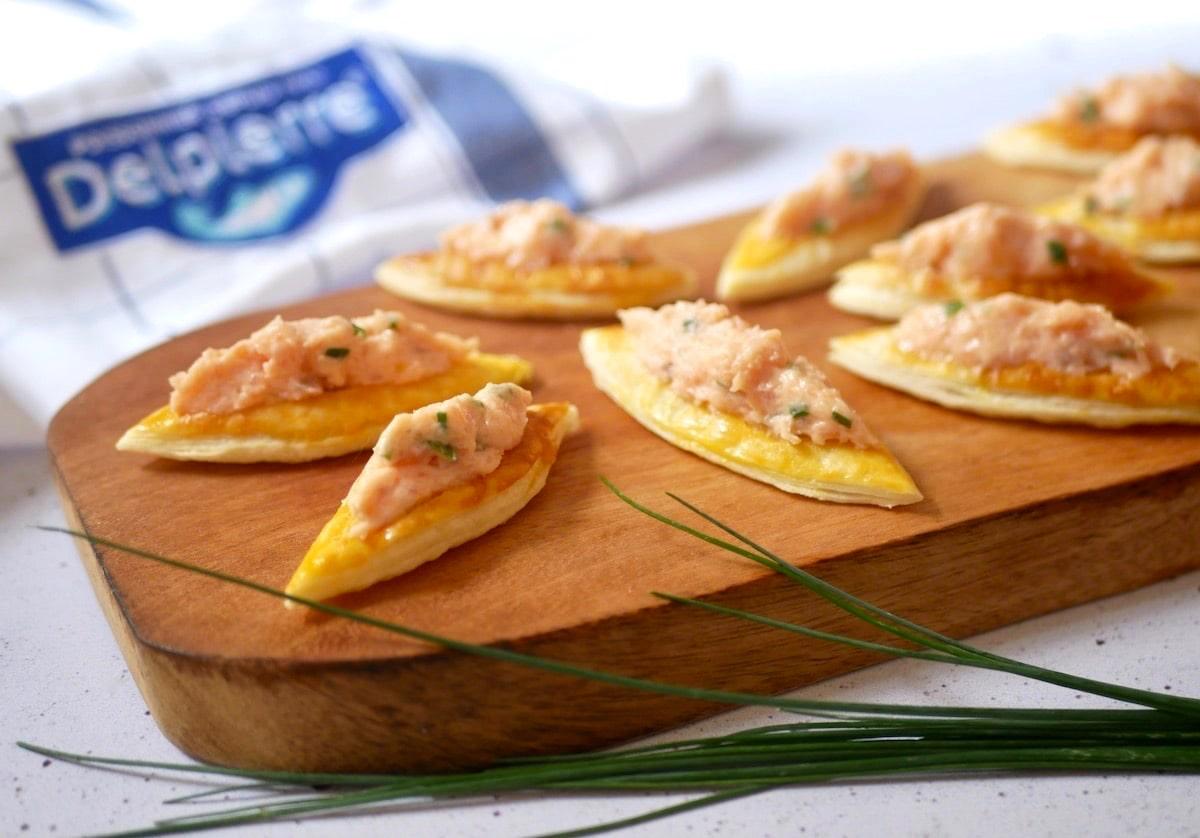 Petits bateaux feuilletés de rillettes de saumon fumé (Apéritif, dès 18 mois)